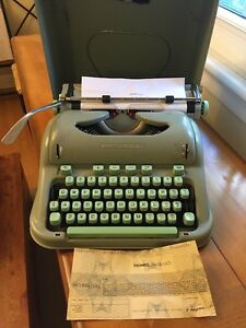 Hermes 3000 Typewriter West Island Greater Montréal image 2