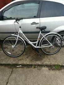 Dawes unisex shopper/town bike