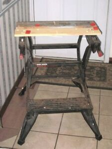 Used BLACK & DECKER Portable Work Bench and Vise,450lbs,folding