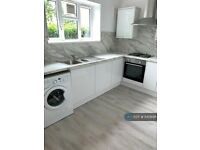 2 bedroom flat in Caistor House, London, SW12 (2 bed) (#640896)