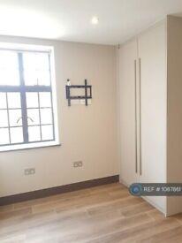 Studio flat in Kember Street, London, N1 (#1087861)