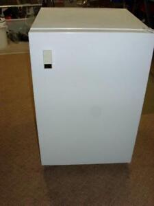 MINI FRIDGE - BAR FRIDGE  $75 OR BEST OFFER