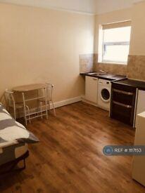Studio flat in Mount Pleasant Road, London, N17 (#1117153)