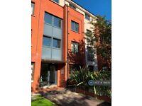2 bedroom flat in Dunmore Building, Belfast, BT6 (2 bed) (#78970)