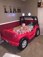 Jeep Wrangler Toddler - Twin bed with lights, storage & shelves