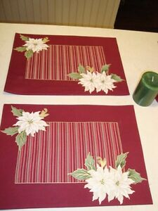 Christmas Set of 4 Dual Sided Cotton Placemats and 2 Candles Kitchener / Waterloo Kitchener Area image 3