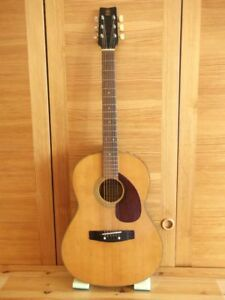 Vintage Used Guitar Yamaha With Soft Carrying Case