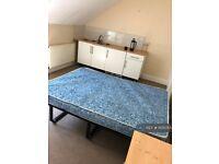 1 bedroom in The Warren, Aldershot, GU11 (#1105055)