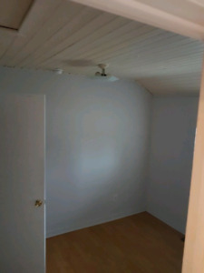 one bedroom unit $760 and two bedroom $1150