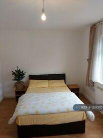 6 bedroom house in Avondale Road, London, N15 (6 bed) (#1201370)