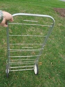 Vintage 1960's Laundry / Grocery Two Wheeled Cart -Perfect Shape Kitchener / Waterloo Kitchener Area image 5