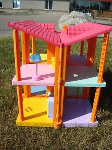 Dora Magically Welcome Multipositional Dollhouse -Works Kitchener / Waterloo Kitchener Area image 5