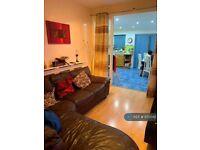 3 bedroom house in Stradbroke Grove, Ilford, IG5 (3 bed) (#1173042)