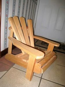 Great Solid Wood Small Kids(1-3 years) Chair in excellent cond