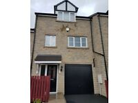 **A Gorgeous Town House for Rent, BD2**