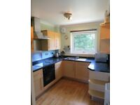 Modern & Bright 3-Bedroom Flat in the Trinity area