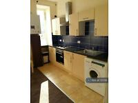 2 bedroom flat in Clavering Street East, Paisley, PA1 (2 bed)