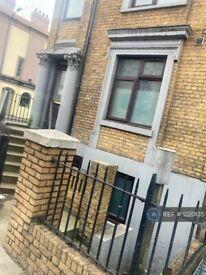 5 bedroom flat in New Cross, London, SE14 (5 bed) (#1220135)