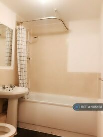 2 bedroom flat in Newbold Walk, Manchester, M15 (2 bed) (#986558)