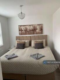 2 bedroom flat in Mathew Court, Grangemouth, FK3 (2 bed) (#1208958)