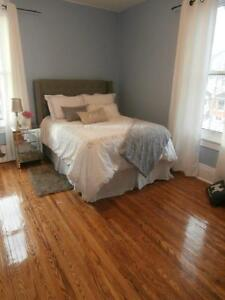 Stunning 3 BR apartment – 1 block to Queen's Kingston Kingston Area image 3