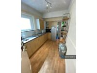 4 bedroom house in Bramble Road, Southsea, PO4 (4 bed) (#929170)