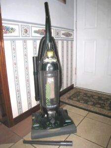 Dirt Devil Upright Bagless Vacuum with TURBOBRUCH,great working