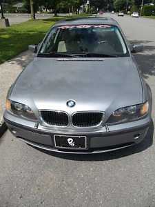 2004 BMW 325XI serie (Traction au 4 roues Hiver) Argent- Berline