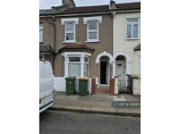 3 bedroom house in Dongola Road, Plaistow, London, E13 (3 bed) (#1068957)