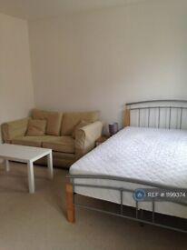 1 bedroom in Allington Close, Farnham, Surrey, GU9 (#1199374)