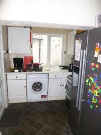 Whole house or individual rooms available to rent - close to uni and QMC