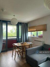 2 bedroom flat in Drayton Park, London, N5 (2 bed) (#1153737)