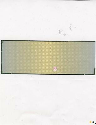 2000 Green Prismatic Laser Check in middle for Payroll and Accounts Payable ()
