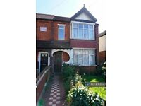 5 bedroom house in The Greenway, Uxbridge, UB8 (5 bed) (#1035947)