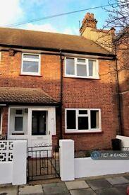 3 bedroom house in Clarendon Road, London, SW19 (3 bed) (#674222)