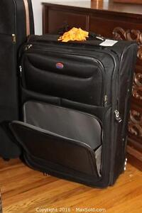 High Quality Luggage: 2 Suitcases on rollers with handles