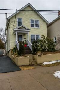 Beautiful 3 bedroom, 1.5 bath home close to Flynn Park!