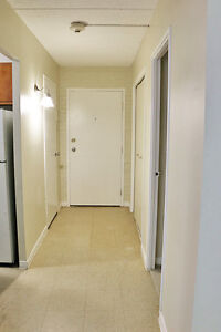 2 Bedroom Apartment for Rent in Cornwall right by #1 bus route
