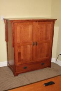 "Solid Oak Mission Style Entertainment Unit & 32"" TV - $350"