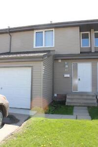 Mature people only, 3 Bed Townhouse, 1.5 Bath, Att Garage