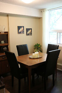 Non-Smoking 2 Bedroom Apartment for Rent in Charming Stratford Stratford Kitchener Area image 2
