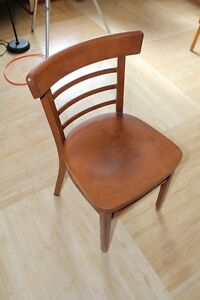 Sturdy Wooden Brown Chairs -  Chaises Brunes en Bois Massif