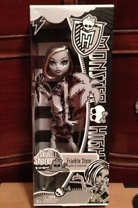 Monster High Black & White Skull Shores Frankie Stein ~WORLDWIDE SHIPPING