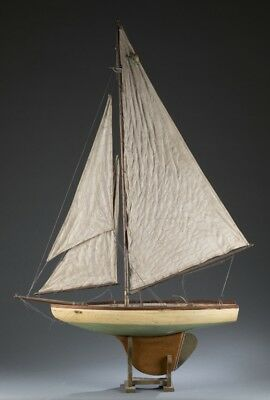 Early 20th century large model pond boat. Lot 154