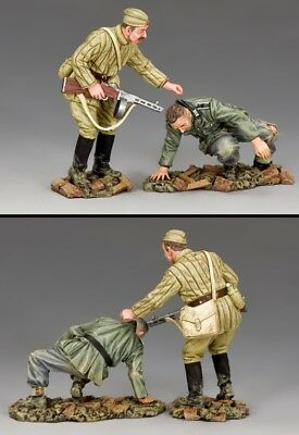 KING & COUNTRY FALL OF BERLIN RA076 RUSSIAN INFANTRY CAPTURING GERMAN MIB