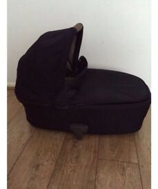 Mammas and papas armadillo flip xt carrycot