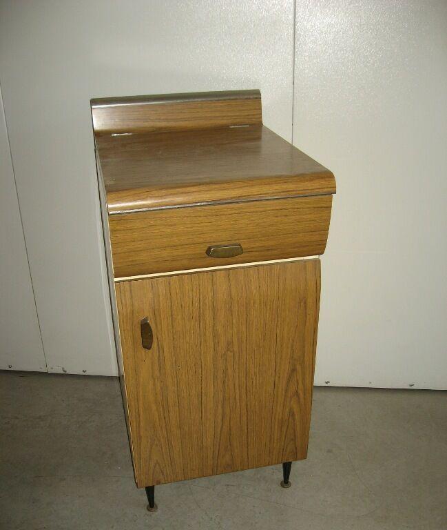 Mobiletto base da cucina in lamiera anni 60. Vintage