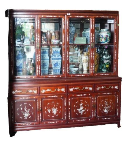 MAGNIFICENT CHINESE ROSEWOOD CABINET WITH MOTHER-OF-PEARL INLAYS