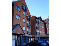 2 bedroom flat in South Ferry Quay, Liverpool, L3 (2 bed) (#873450)