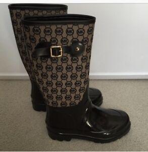 Michael kors rain boots gentlg used size 8